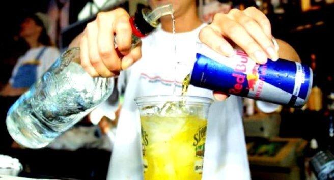8 lucruri pe care nu trebuie sa le amesteci NICIODATA cu alcoolul