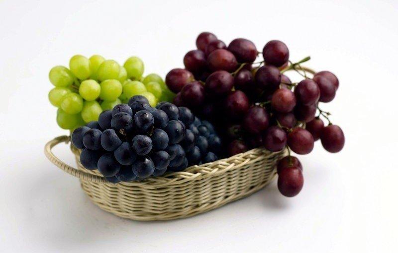 Beneficiile strugurilor: de ce sa consumi superfructele toamnei
